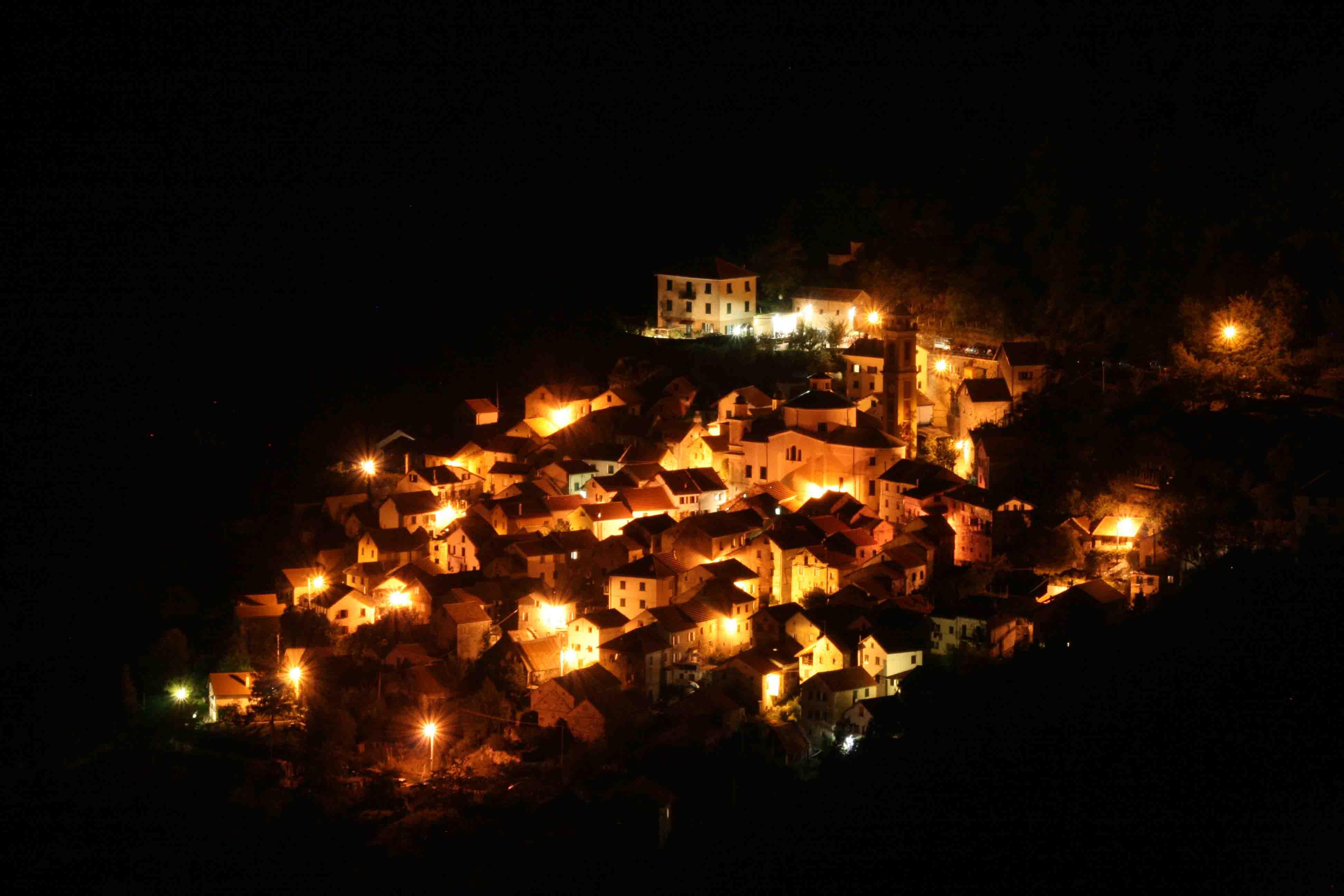 paese-di-notte